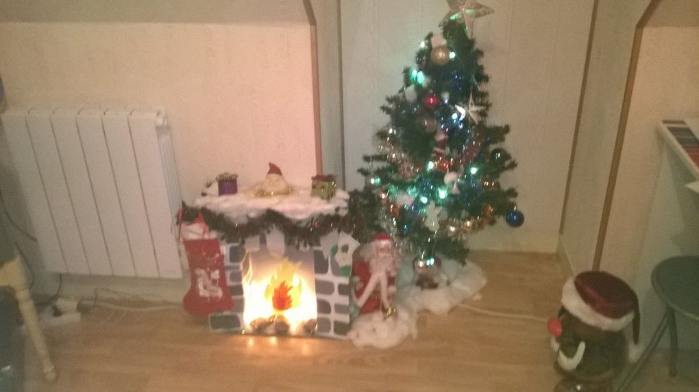 Fabrication Cheminées de Noël en carton