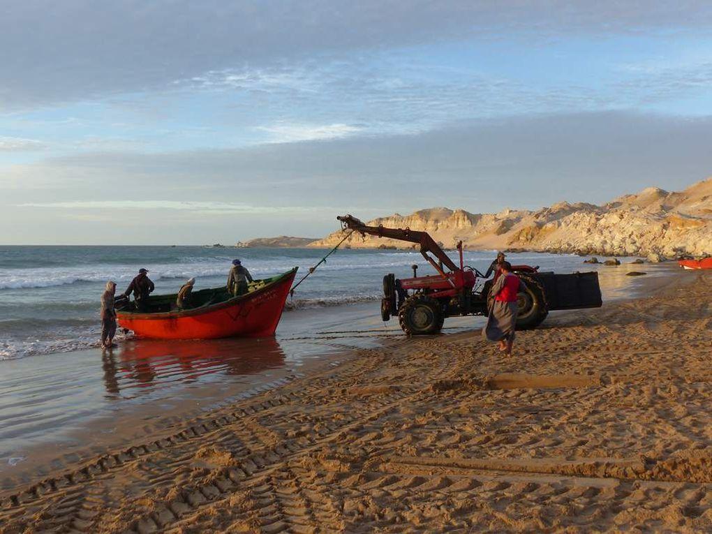 Oued Kraâ : la rencontre avec les pêcheurs.