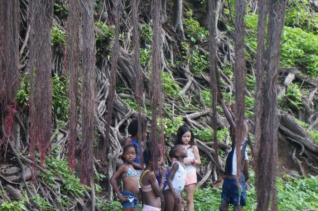 Croqués à l'intérieur (montagne et village en périphérie de Praia) et à Cidade Velha, premier port de l'île.