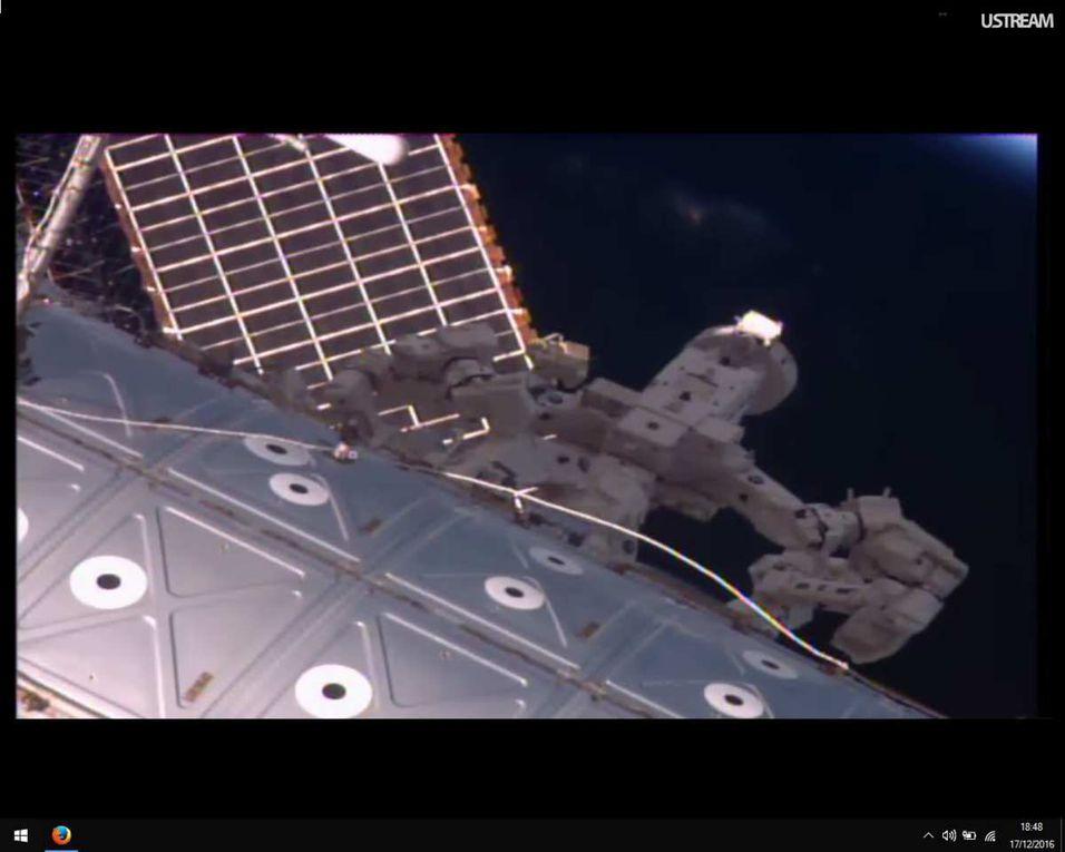 Les panneaux solaires de l'ISS