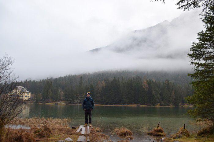 Porque las estaciones del año influyen en la vida y naturaleza. El frio puede ser sinónimo de belleza. Lo diverso no debe asustar. Lago di Dobbiaco, un regalo de la naturaleza.