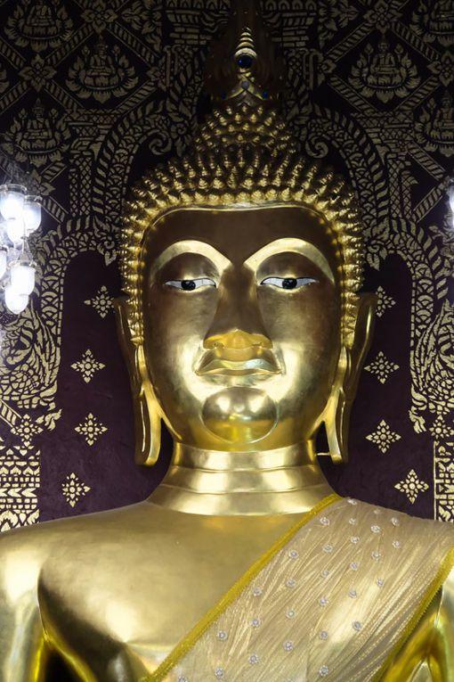 Au Wat Phrathat Hariphunchai de Lamphun (cliquez pour dérouler)