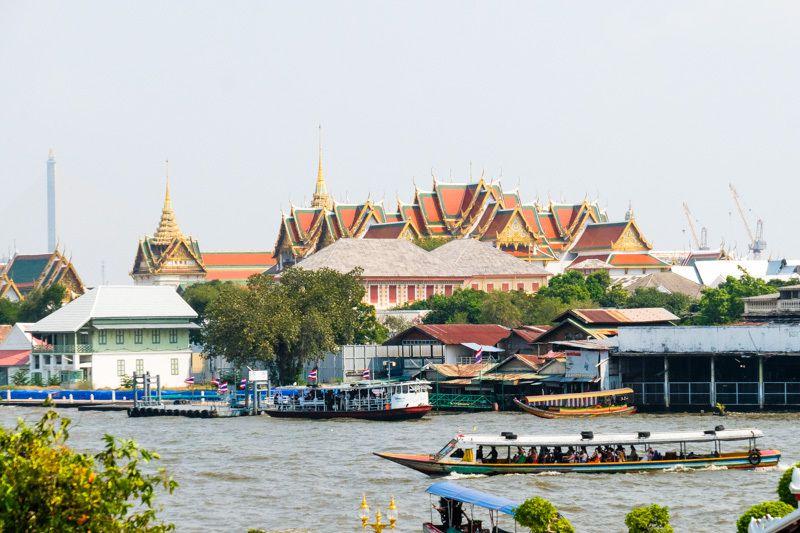 Sur la rivière Chao Phraya à Bangkok (cliquez pour dérouler)