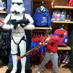 Andrei si joaca de-a Star Wars