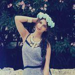 Anniversaire du blog: CONCOURS #4 Couronne de fleurs par Debbie Deana