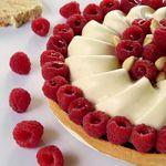 Tarte framboises / mousse de nougat et une petite surprise pour vous