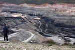 Les lignes rouges: laisser les fossiles dans le sol ne dépend que de nous.