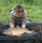 Première pêche de nuit carpe 2015 en rivière avec un jeune carpiste