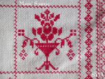 SAL : Plaid Broderie Rouge... Grille 78 / M11