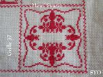SAL : Plaid Broderie Rouge... Grille 37 / M13