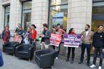 3 chaises réquisitionnées et 11 militants embarqués par la Police pour « fauchage de chaises »