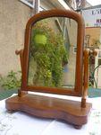 Miroir ancien en bois à poser pivotant