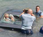 L'incroyable sauvetage d'une femme piégée dans une voiture