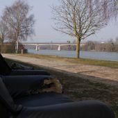 De l'autre côté.. Mantes-la-Ville - La Seine, la Seine, la Seine..... La Seine... et Moi