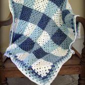 Plaid aux carrés Granny et sa grille gratuite ! - Modèles pour Bébé au Crochet
