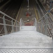 Le jour où l'ascenseur sera en panne (comme trop souvent à Bourges) comment vont faire les personnes à mobilité réduite en gare de Blois ? - Bougez autrement à Blois - Bougez autrement dans le val de Loire