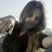 Hélène Ségara dévoile le clip de son single Et si tu n'existais pas en duo avec Joe Dassin
