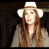 Hélène Ségara dévoile la troisième partie d'une interview exclusive
