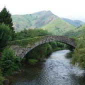 Roman bridge Saint-Étienne-de-Baïgorry AAA - ONVQF.over-blog.com
