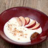 Crème de riz vanillée aux nectarines crues et noisettes