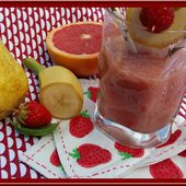 Smoothie fraises, pamplemousse, poire, basilic - Oh, la gourmande..