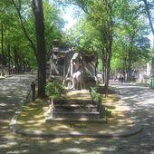 Une balade insolite au cimetière de Montmartre - Paris