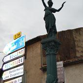 """La Statue de """"La République et la Paix"""" à Suze-La-Rousse (Drôme 26) - Sud Drôme"""
