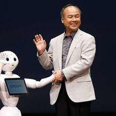 """La société japonaise SoftBank Robotics a annoncé jeudi la mise en vente de """"Pepper"""", exclusivement au Japon à partir du 20 juin 2015 - OOKAWA Corp."""