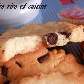 Biscuits sablés aux Pépites de Chocolat façon cookies - Entre rire et cuisine...