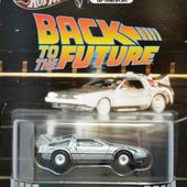 DELOREAN TIME MACHINE BACK TO THE FUTURE RETRO ENTERTAINMENT HOT WHEELS 1/64 - car-collector