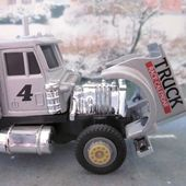 PETERBILT CAMION DE COURSE #4 CARARAMA 1/43 - car-collector