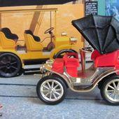 PEUGEOT 1895 VIS A VIS AVEC CAPOTE CLE 1/43 - car-collector