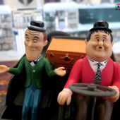 STAN LAUREL ET OLIVER HARDY JEEP WILLYS 1/32 GATE - car-collector