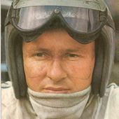 CARTE POSTALE PORTRAIT BRUCE MCLAREN PILOTE F1 1966 - 1967 POSTCARD - car-collector.net
