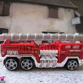 5 ALARM CAMION DE POMPIERS US HOT WHEELS 1/64 - car-collector.net