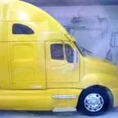 KENWORTH T2000 JAUNE NEWRAY 1/32 - car-collector.net