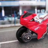 MOTO DUCATI 1098R HOT WHEELS 1/64 - car-collector.net