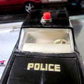 FORD FAIRLANE POLICE USA DINKY TOYS 1/43 - car-collector.net