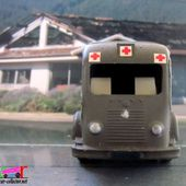 RENAULT 1000 KG AMBULANCE MILITAIRE C.I.J 1/45 - car-collector.net