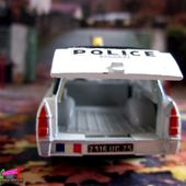 PEUGEOT 404 BREAK POLICE DINKY TOYS 1/43 - car-collector.net