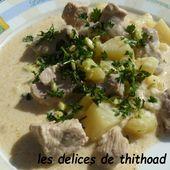 Sauté de porc aux pommes de terre et crème persillée - Le blog de lesdelicesdethithoad