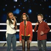 The Voice Kids : la battle Jane, Naomie, Théo sur Vieillir avec toi. - LeBlogTvNews