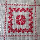 SAL : Plaid Broderie Rouge... Grille 50 / B8 - Chez Mamigoz