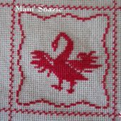 SAL : Plaid Broderie Rouge... Grille 39 / I 11 - Chez Mamigoz