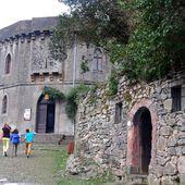 La montée au château de Foix - Autour de