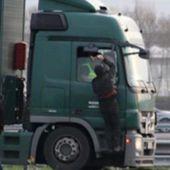 Violences des migrants à Calais : des routiers démissionnent... - MOINS de BIENS PLUS de LIENS