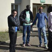 """Deux centres d'accueil désertés par les migrants après le démantèlement de la """"Jungle"""" de Calais - MOINS de BIENS PLUS de LIENS"""