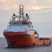 Deux navires de soutien offshore de Bourbon en escale à Cherbourg