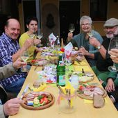 Eine nicht alltägliche Weinprobe im Weingut Hessler anlässlich 25 Jahre Jagdhornsingen im Veitshöchheimer Hofgarten mit Hornmeister Peter Kraus - Veitshöchheim News
