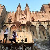 Au festival d'Avignon : les ministres privés de spectacle - Ça n'empêche pas Nicolas